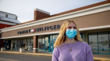 Johanna Metz needs work hours to pay expenses