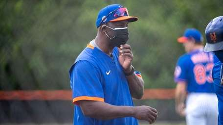 Mets hitting coach Chill Davis during a spring