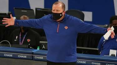 Knicks head coach Tom Thibodeau reacts as he