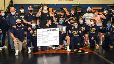 Shoreham Wading River wins the Suffolk wrestling dual
