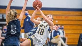 West Babylon Lacey Downey takes Huntington during the
