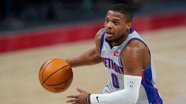 Detroit Pistons guard Dennis Smith Jr. drives to