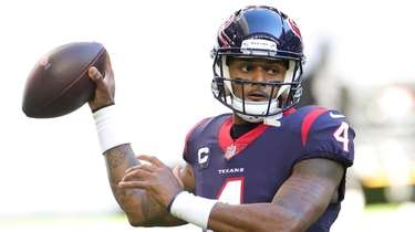Deshaun Watson of the Texans in action against