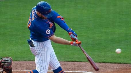 The Mets' Pete Alonso hits a grand slam