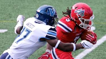 Stony Brook RB Jaden Turner turns the outside