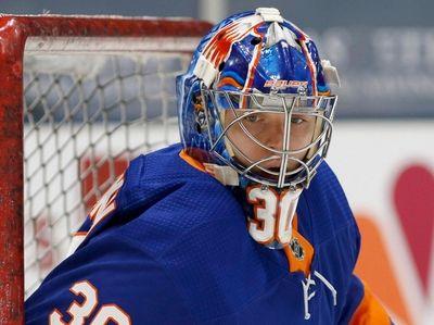 Ilya Sorokin of the Islanders warms up before