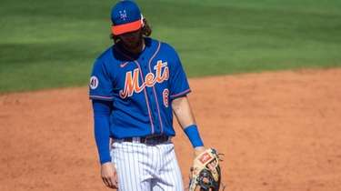 Jeff McNeil made three errors at third base