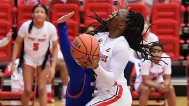 Stony Brook guard Asiah Dingle puts up a