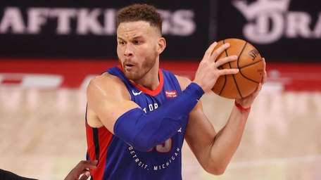 Blake Griffin of the Pistons plays against the