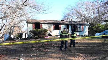 An early-morning fire in Gordon Heights killed a