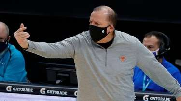 Tom Thibodeau of the Knicks reacts following a
