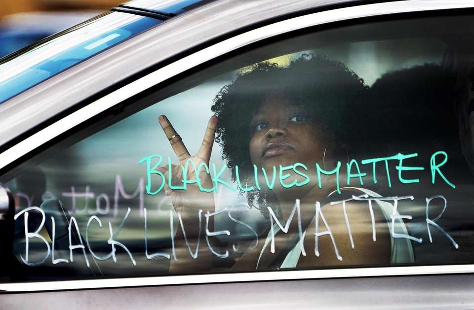 Woman wrote 'Black Lives Matter' on her car
