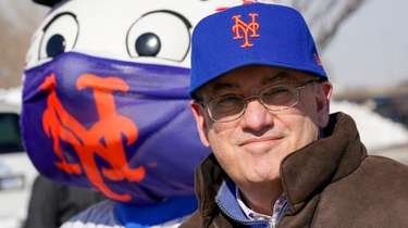 Mets owner Steve Cohen attends a news conference