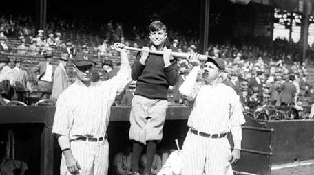 New York Yankees Lou Gehrig, left, and Babe