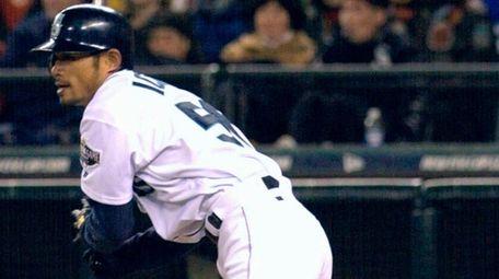Ichiro Suzuki of the Seattle Mariners getting his