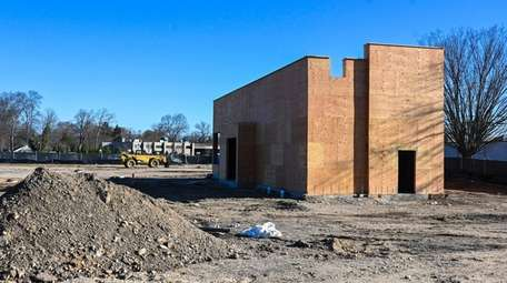 A Starbucks is under construction at Jericho Turnpike
