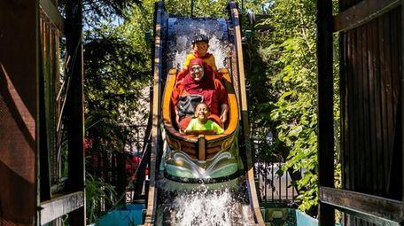Visitors enjoy Adventureland in Farmingdale in 2018.