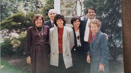 Jane Smith Fisher, center, in a 1985 photo
