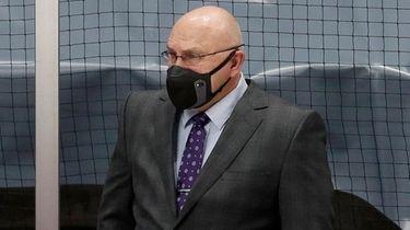 Islanders head coach Barry Trotz of the looks