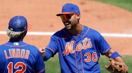 New York Mets right fielder Michael Conforto (30)