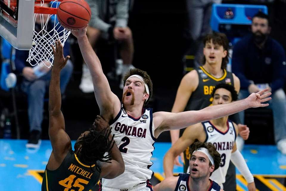 Gonzaga forward Drew Timme (2) blocks a shot