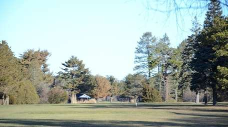 Brentwood Country Club, located at 100 Pennsylvania Ave.