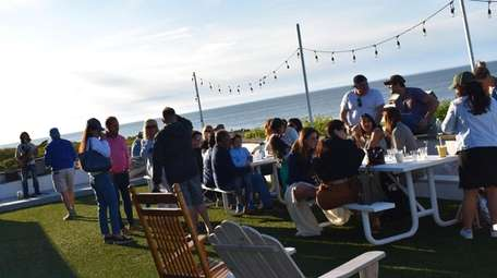 George's Lighthouse Cafe in Montauk has an outdoor