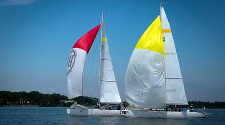 Oakcliff Sailing in Oyster Bay organizes sailing classes