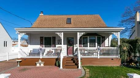 This four-bedroom home in Lindenhurst is under contract,