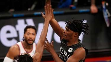 Alize Johnson #24 of the Nets puts up