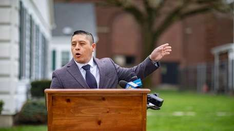 Joselo Lucero visits local schools to tell his