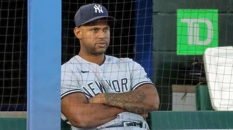 The Yankees' Aaron Hicks watches the second inning