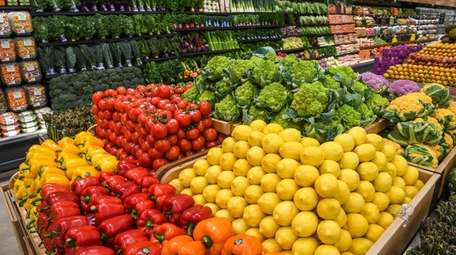 Grocery prices climbed 2.7% in March compared with