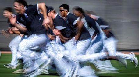 New York Yankees pitchers running intervals during spring