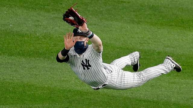 Clint Frazier of the New York Yankees makes