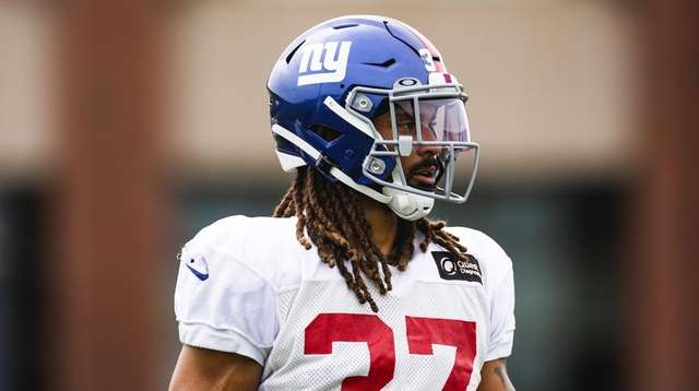 Ryan Lewis during Giants practice on Sept. 9,