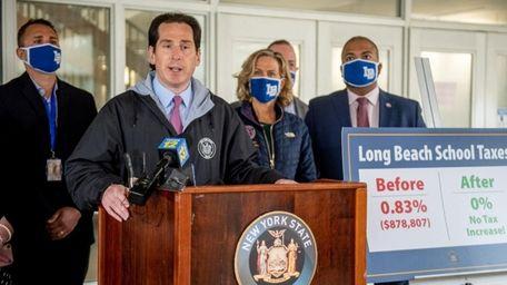 State Sen. Todd Kaminsky (D-Long Beach) and other