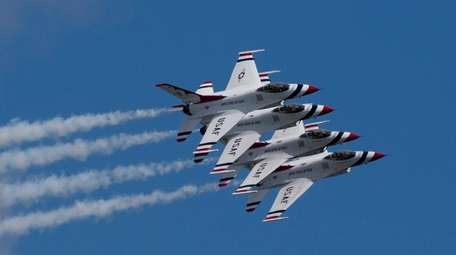 The U.S. Air Force Thunderbirds are seen rehearsing