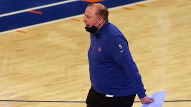 New York Knicks head coach Tom Thibodeau yells