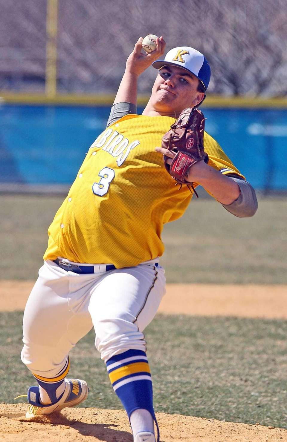 Kellenberg's Matt Weissheir pitches against St. John the