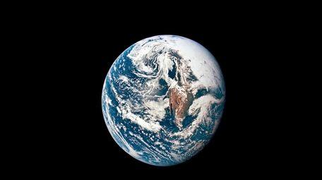 NASA photo shows Earth from 36,000 nautical miles