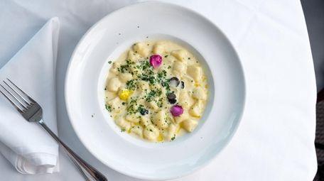 Gnocchi all brava, gnocchi pasta in a fontina