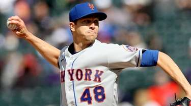 Starting pitcher Jacob deGrom #48 of the New