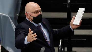 Head coach Barry Trotz of the Islanders reacts