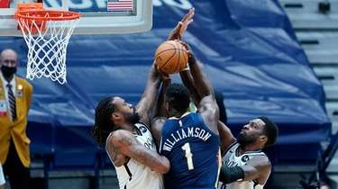 New Orleans Pelicans forward Zion Williamson (1) is