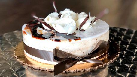 A mochaccino torte with vanilla cake, mocha mousse