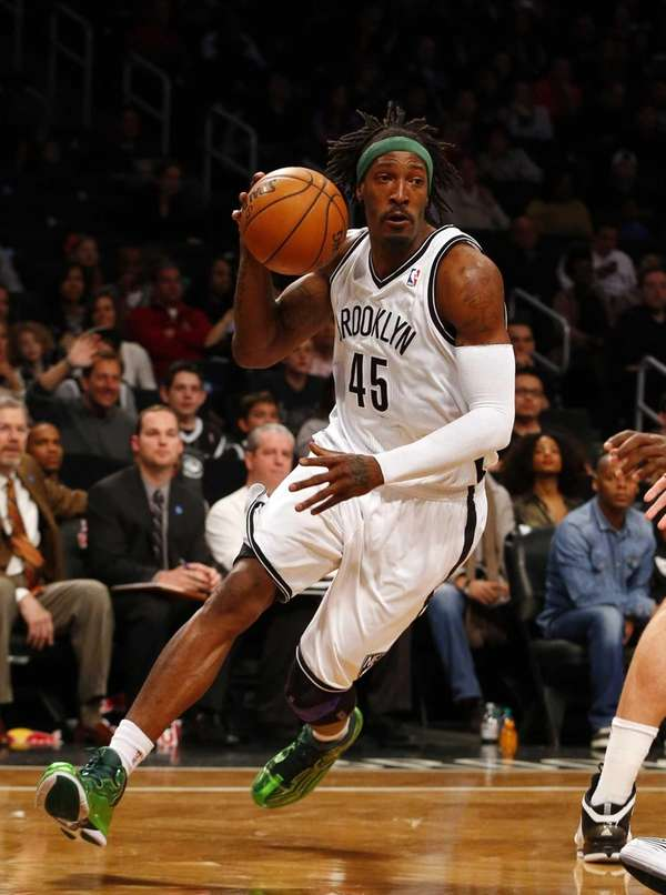 Gerald Wallace drives to the hoop during a