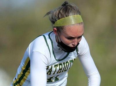 Ward Melville Patriots midfielder Amanda Lee (11) plays