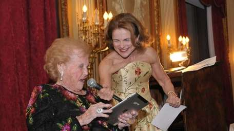 Tovah Feldshuh and her mom, Lily, at Lily's
