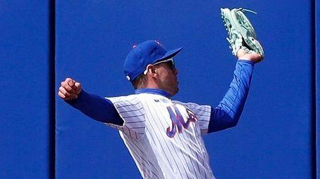 Albert Almora Jr. of the Mets makes a